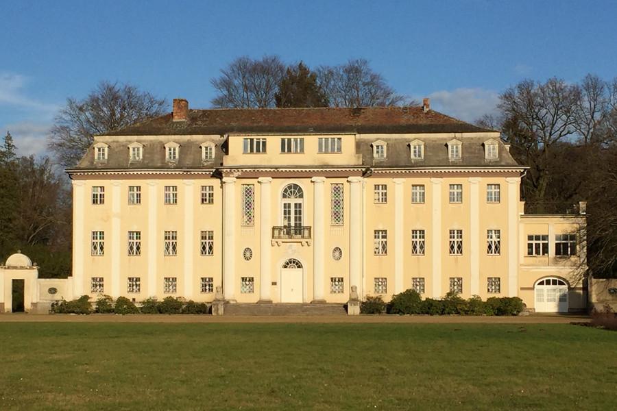 ... im Neuen Schloss ...
